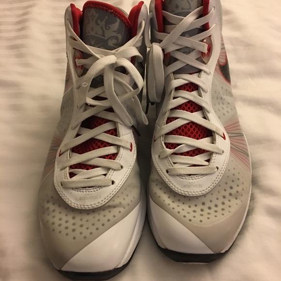 e07057b3c26d Nike LeBron James White Black varsity Red sneakers.  M 5a4baec1fcdc313346089dc1